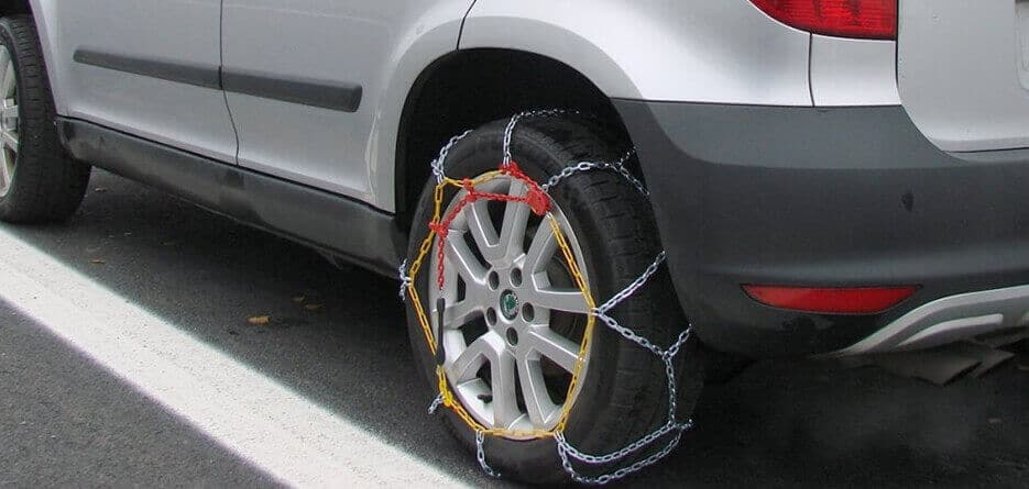 Do Hired Cars Come With Snow Chains?